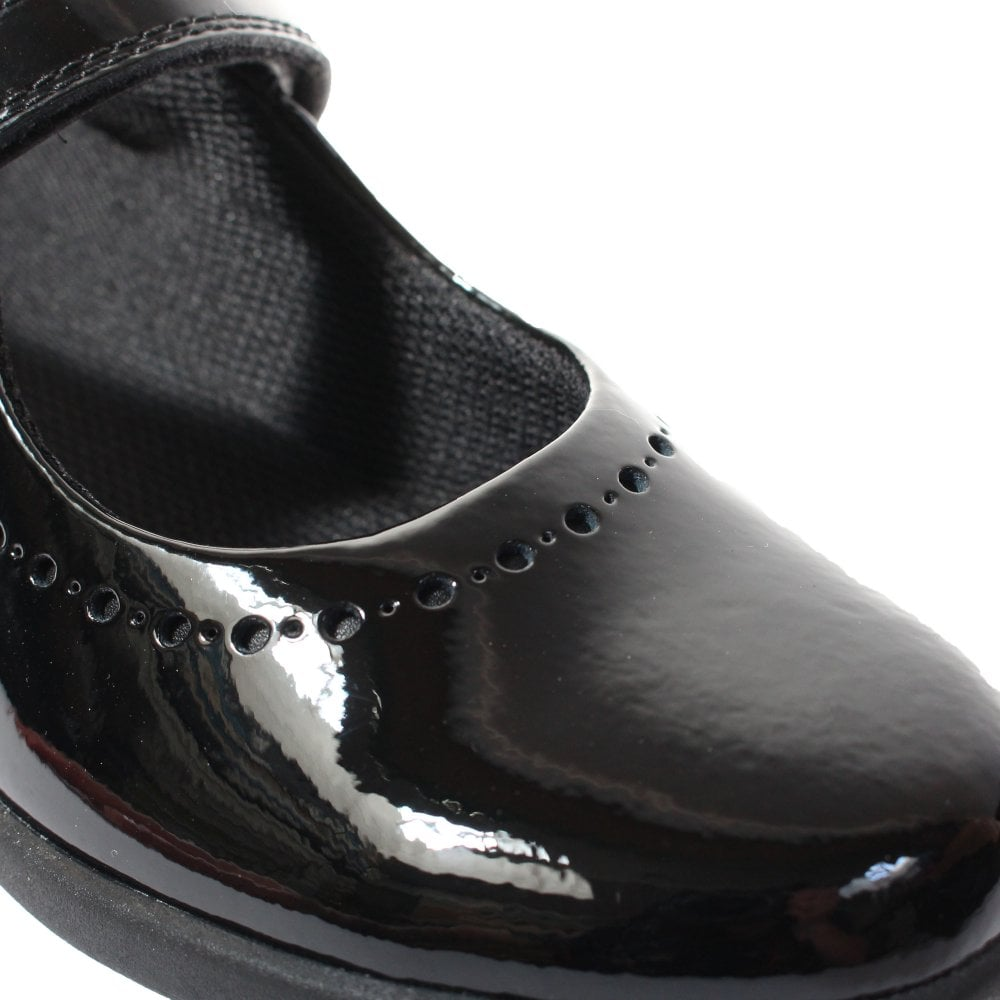 Clarks Etch Craft Kid Patent Shoes in Black Patent Standard Fit Size